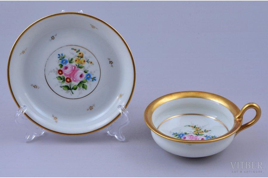 tea pair, porcelain, M.S. Kuznetsov manufactory, signed painter's work, handpainted by Arcady Belokopitov, Riga (Latvia), 1934-1936, h (cup with handle) 5.1 cm, Ø (saucer) 12.1 cm