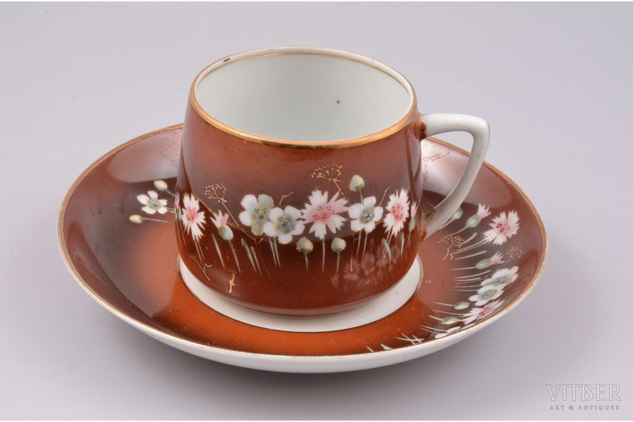 tea pair, porcelain, Gardner manufactory, hand-painted, Russia, the 2nd half of the 19th cent., h (cup) 5.9 cm, Ø (saucer) 14 cm