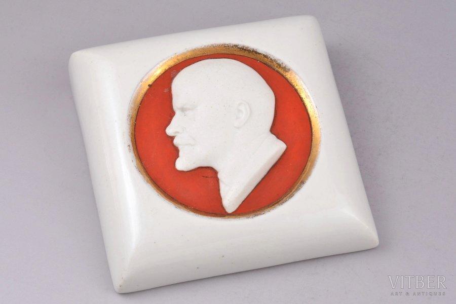 paper press, Lenin's profile, porcelain, State porcelain manufacture (LFZ), hand-painted, shape by Danjko Natalia, USSR, 1924, 11.5x11.5x4 cm, molder I.Kuznetsov
