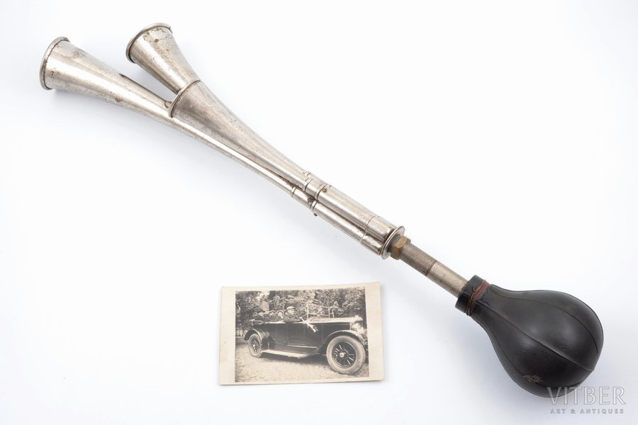 passenger car horn, photo, the 20-30ties of 20th cent., 56.5 cm, the horn was placed on the car shown in the photo