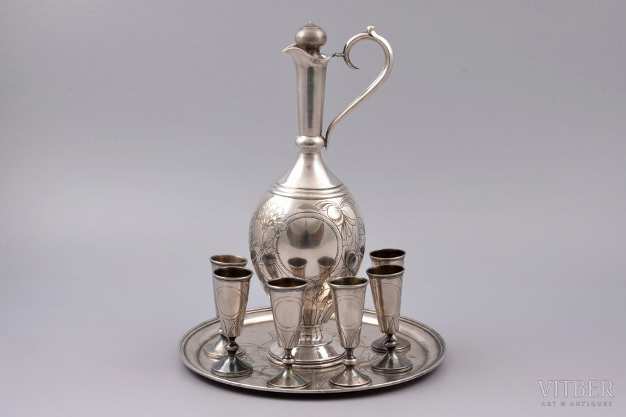 set of 6 little glases, carafe and tray, (removed monograms) silver, 84 standart, engraving, 1899-1908, 533.85 g, workshop of Ivan Alexeyev, Moscow, Russia, carafe h 23.2 cm, small glass h 7 cm, tray Ø 19.5 cm