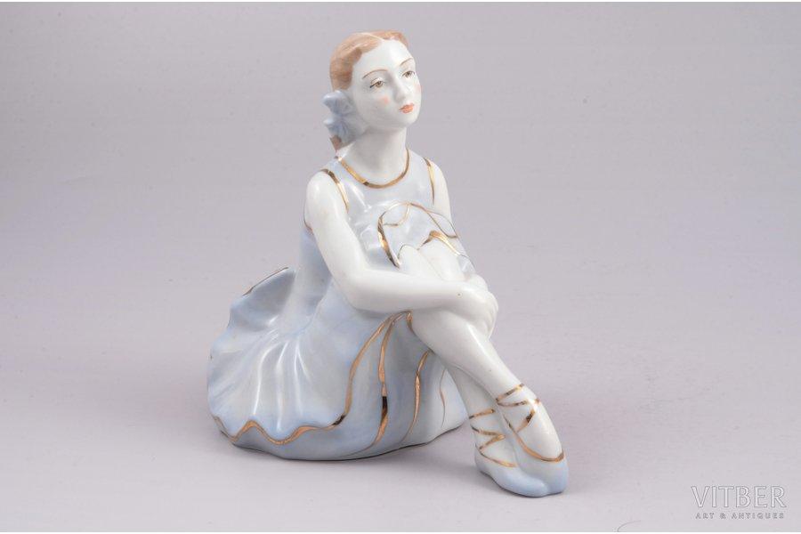 figurine, Ballerina, porcelain, Riga (Latvia), USSR, Riga porcelain factory, molder - Rimma Pancehovskaya, the 50ies of 20th cent., 11.1 cm, first grade