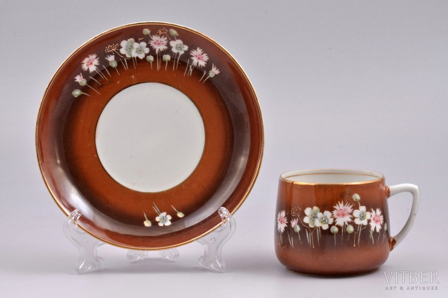 tea pair, porcelain, Gardner manufactory, hand-painted, Russia, the end of the 19th century, h (cup) 5.9 cm, Ø (saucer) 14.4 cm