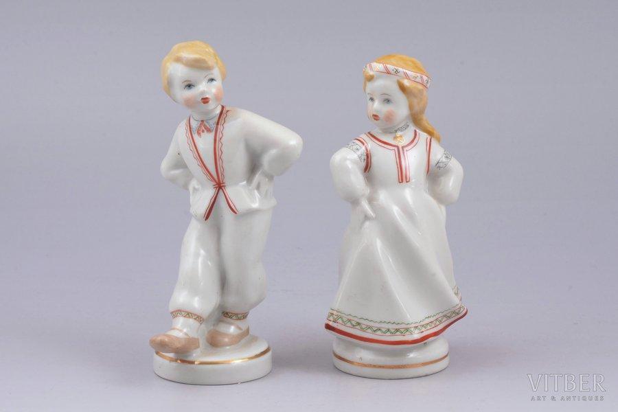 pair of figurines, Folk dance, porcelain, Riga (Latvia), USSR, Riga porcelain factory, molder - Leja Novozeneca, 13 / 12.4 cm, first grade