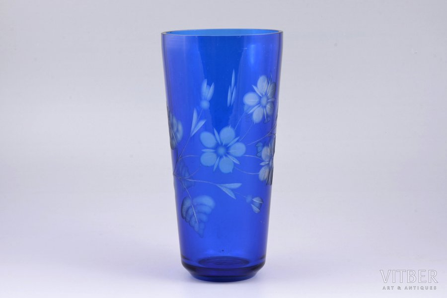 vase, Iļģuciems glass factory, Latvia, the 30ties of 20th cent., h 21.2 cm