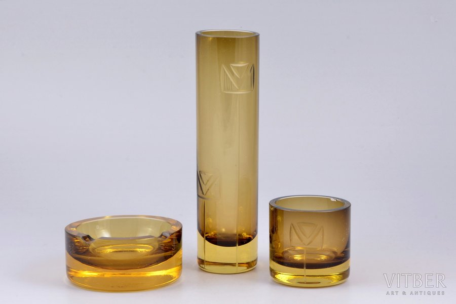 "set of 3 items: vase, glass, ash tray,  ""Latvijas stikls"" factory, Latvia, Ø (ashtray) 8.5 cm, h (vase) 17.8 cm, h (glass) 5.6 cm, chip on the inside of glass edge, in a box"