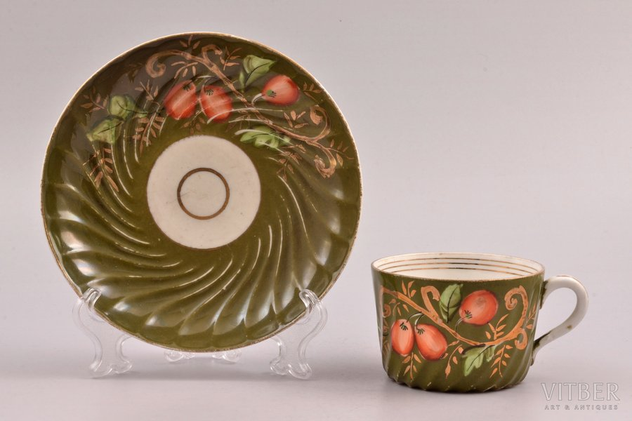 tea pair, porcelain, M.S. Kuznetsov manufactory, hand-painted, Russia, the border of the 19th and the 20th centuries, h (cup) 5.2 cm, Ø (saucer) 14.4 cm, Dmitrov factory