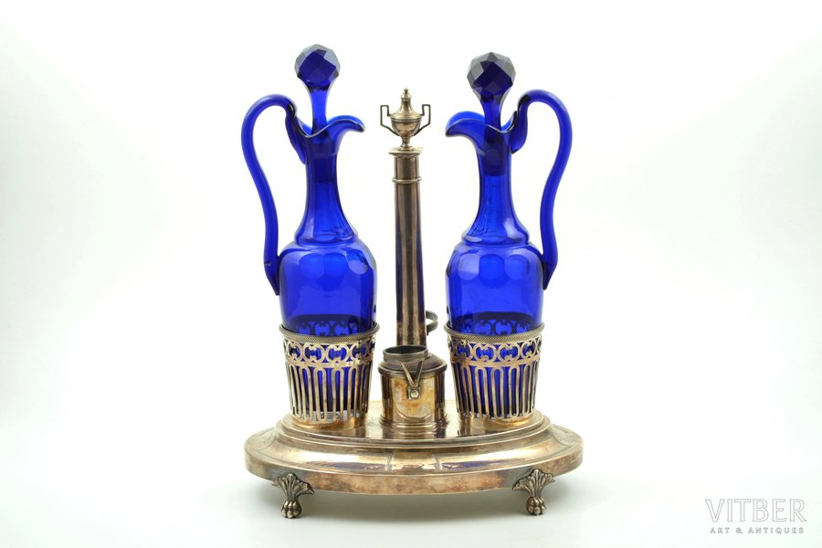 oil and vinegar cruet set, silver, glass, the 18th cent., weight of silver 788.90g, France, h 29.4 cm, one decanter has a defect on the handle