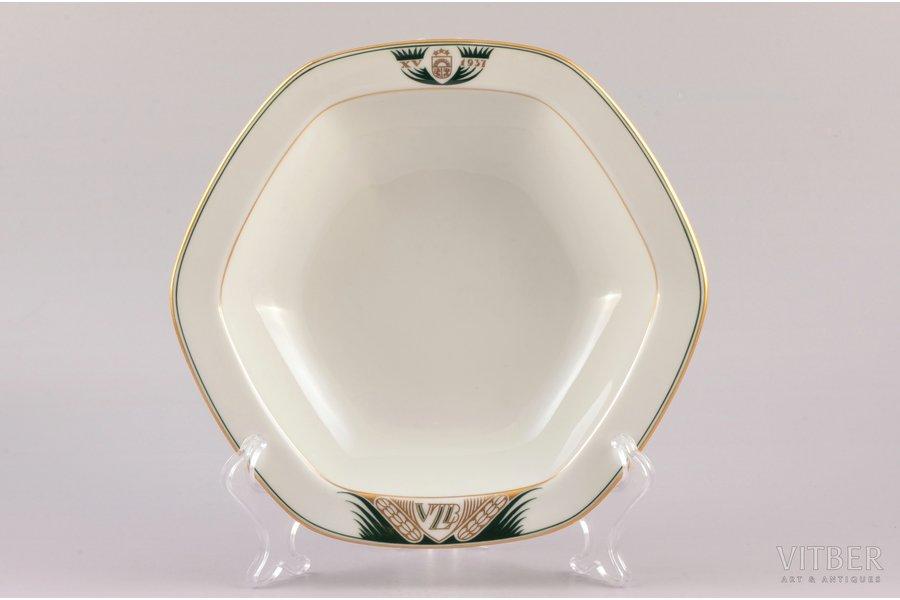fruit dish, 15th anniversary of State Land Bank, porcelain, M.S. Kuznetsov manufactory, Riga (Latvia), 1937, 21.3 x 22.6 cm, h 5.3 cm, first grade