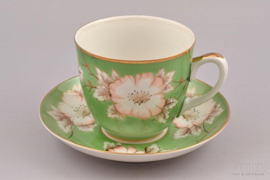 tea pair, large size, porcelain, Rīga porcelain factory, hand-painted, Riga (Latvia), USSR, 1948-1970, h (cup) 9 cm, Ø (saucer) 16.8 cm, first grade