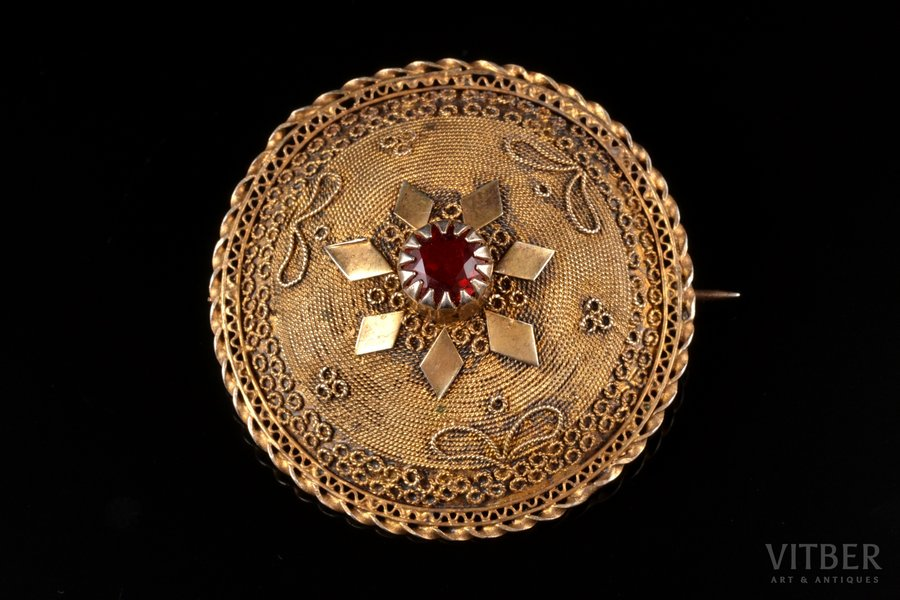 a brooch, silver, gilding, 925 standart, 11.84 g., the item's dimensions Ø 4.4 cm, the 1st half of the 20th cent., Italy
