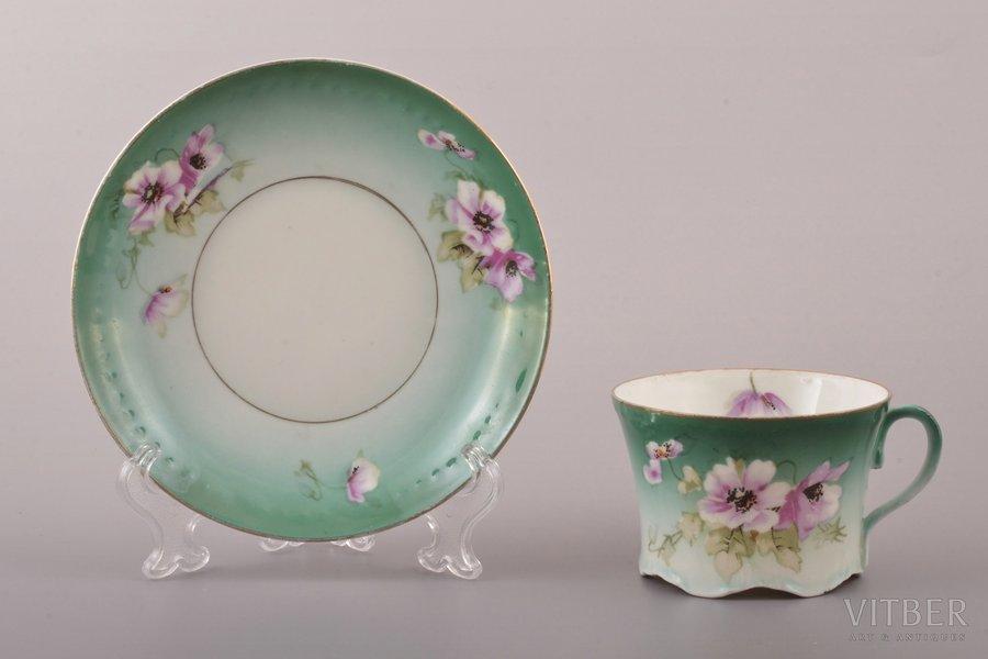 tea pair, porcelain, M.S. Kuznetsov manufactory, Russia, 1894-1917, Ø (saucer) 14.3 cm, h (cup)  5.5 cm, Rybinsk factory