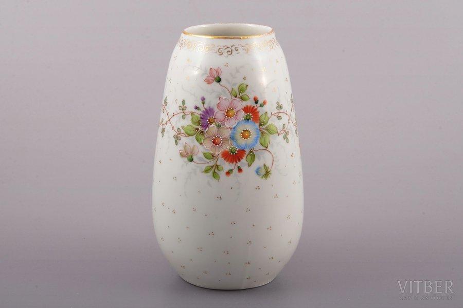 vase, porcelain, Riga Ceramics Factory, signed painter's work, handpainted by Arcady Belokopitov, Riga (Latvia), 1941-1947, h 14 cm