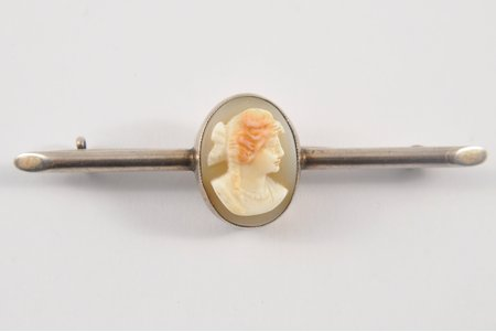 a brooch, Camea on a shell, silver, 4.2 g., the item's dimensions 5.5х1.5 cm, the beginning of the 20th cent.