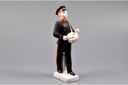 statuete, Suvorovecs, porcelāns, PSRS, LFZ - Lomonosova porcelāna rūpnīca, modeļa autors - S.B. Velihova, 20 gs. 60tie gadi, 16 cm, pirmā šķira