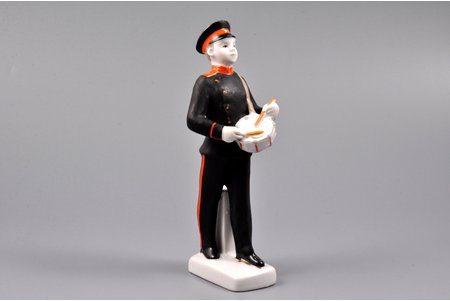 figurine, Suvorovets, porcelain, USSR, LFZ - Lomonosov porcelain factory, molder - S.B. Velihova, the 60ies of 20th cent., 16 cm, first grade