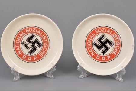 apakštasīšu pāris, Trešais Reihs, NSDAP, Ø 9.1 cm, 9.1 cm, Vācija, 20 gs. 40tie gadi, nošķēlums uz vienas no apakštasītēm