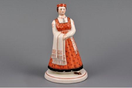 статуэтка, Латышский  народный костюм, фарфор, Рига (Латвия), фабрика Якоба Ессена, 1933-1935 г., 15.5 см
