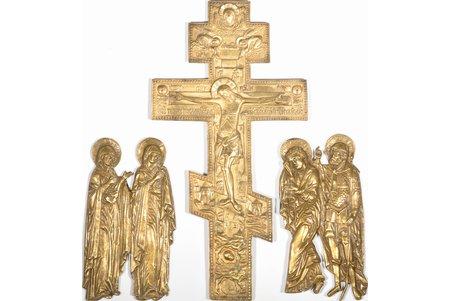 """крест, """"Распятие Христово с предстоящими"""", на левой пластине - Богоматерь и святая Марфа, на правой - апостол Иоанн Богослов и мученик Лонгин Сотник, медный сплав, начало 20-го века, (крест) 37.6 x 19.5 x 0.6 см, 1090.00 г/ (левая пластина) 20.5 x 11.3 x 0.8 см, 870.90 г/ (правая пластина) 20.9 x 10.5 x 0.8 см, 703.60 г"""