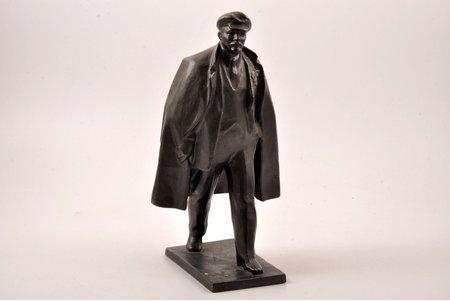 statuete, V. Ļeņins, 24 cm, svars 2000 g., PSRS, Vladimirs Rogajšis, 20 gs. 50tie gadi