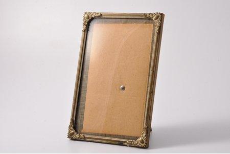 fotorāmītis, ar izliektu stiklu, metāls, 15.2 x 10.2 cm