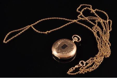 """kabatas pulkstenis, pulksteņa ķēdīte, """"Le Parc"""", Šveice, 20. gs. sākums, zelts, 56, 14 K prove, (pulkstenis) 30.45 g (ķēde) 23.40 g, 4.4 x 3.5 cm, 28.5 mm, darbojas"""