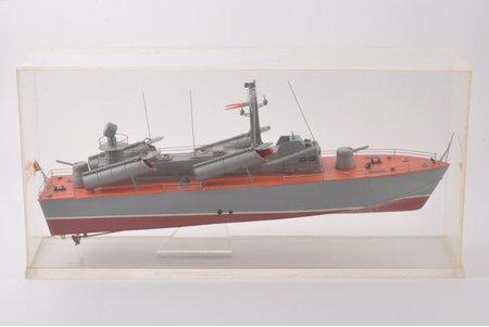 "torpēdlaivas modelis, PSRS, 1978 g., 42.5 x 9.5 x 21 cm, ar veltījumu ""3. ranga kapteinim G. I. Matjuhinam par godu DKBF 50 gadu jubilejai"""