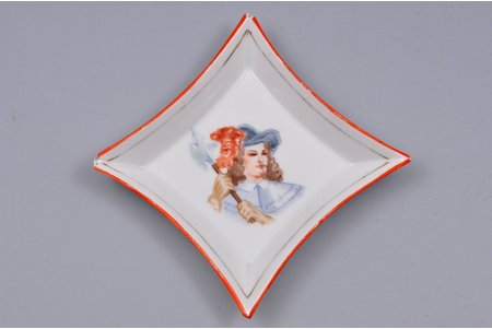 "ashtray, ""Diamond jack"", porcelain, J.K. Jessen manufactory, handpainted by Brungilda Lomani, Riga (Latvia), the 30ties of 20th cent., 8.5 x 8.5 cm, chips"