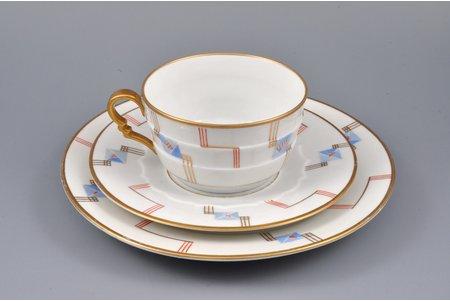 tea trio, ornament, porcelain, M.S. Kuznetsov manufactory, handpainted by Nadezda Boiko, Riga (Latvia), 1934-1936, cup height 5 cm, Ø 19.3 / 15.3 / 9.2 cm, second grade
