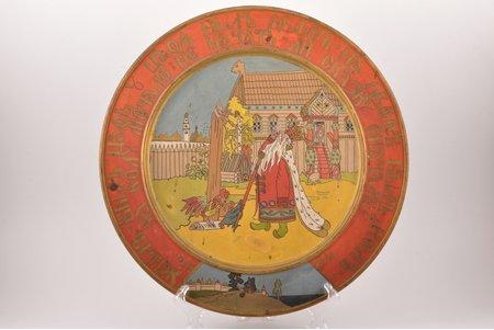 wall plate, Based on images by Ivan Bilibin, wood, Russia, artel Kustar'- Khudozhnik, Sergiev-Posad, the beginning of the 20th cent., Ø 39 cm