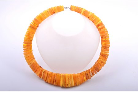 beads, amber, largest stone dimensions 3.5 x 1.6 x 0.6 cm, 159.60 g., the item's dimensions ~58 cm