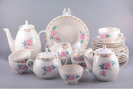"service, ""Regina"", for 6 persons, porcelain, Rīga porcelain factory, Riga (Latvia), USSR, 1948-1970, second grade, crack on one saucer"