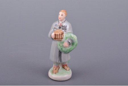 figurine, Celebrating Ligo, porcelain, Riga (Latvia), USSR, Riga porcelain factory, molder - Aina Mellupe, the 50ies of 20th cent., 6.4 cm, top grade