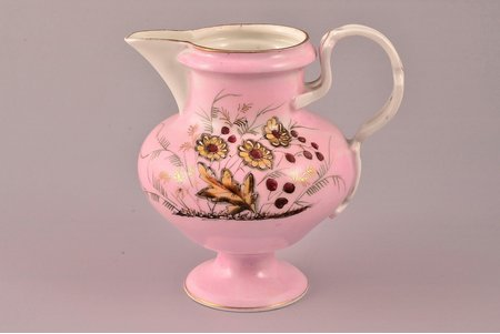 cream jug, porcelain, M.S. Kuznetsov manufactory, Russia, the border of the 19th and the 20th centuries, h - 10.4 cm