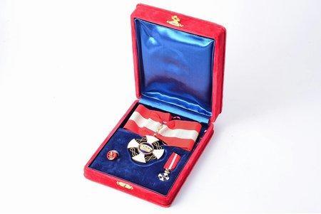 комплект Ордена Короны Италии, степень командора, золото, эмаль, Италия, 1868-1946 г., 53.9 x 50.9, 22.8 x 15.4, Ø 12.9 мм, 16.05, 1.4 г, без пробы, дефекты эмали, в коробочке