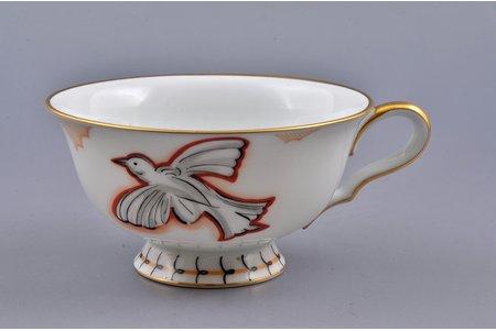 small cup, Bird, porcelain, sculpture's work, M.S. Kuznetsov manufactory, handpainted by Irina Sochevanova, sketch by Romans Suta, Riga (Latvia), 1937-1940, Ø 10 cm