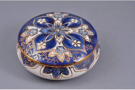 case, porcelain, sculpture's work, Rīga porcelain factory, Riga (Latvia), USSR, 1955, Ø = 8.5 cm, h  = 3.6 cm, second grade