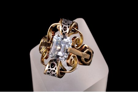 a ring, gold, silver, 585, 830 standart, 8.09 g., the item's dimensions 2.1 x 1.4 cm, the size of the ring 17.5, topaz