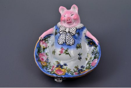 "figurine, Pig, ""Oik"", porcelain, Riga (Latvia), sculpture's work, by Antonina Pashkevich, h 8.2 cm"