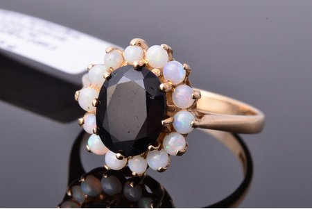 a ring, gold, 375 standart, 3.15 g., the size of the ring 17.75, sapphire, opal, Great Britain, in a box