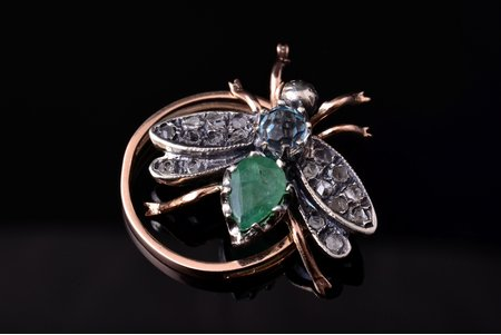 a ring, gold, 500 standart, 5.05 g., the size of the ring 17, diamonds, emerald, topaz