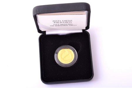 20 евро, 2017 г., Сакта (фибула подковообразная), 999 проба, золото, Латвия, 6.00 г, Ø 21 мм, Proof, в коробочке