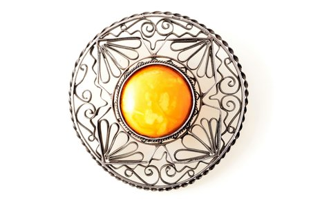 a brooch, silver, 875 standart, 28.65 g., the item's dimensions Ø - 7.5 cm, amber, Latvia