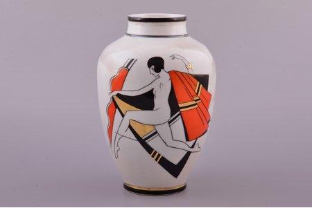 vāze, Deja, Art-Deco, porcelāns, Burtnieks darbnīca, mets - Sigismunds Vidbergs, Rīga (Latvija), 1929-1939 g., 19.3 cm, vāzes kakliņa restaurācija
