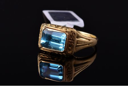 a ring, gold, 585 standart, 3.19 g., the size of the ring 16.75, topaz, the 20-30ties of 20th cent., Latvia