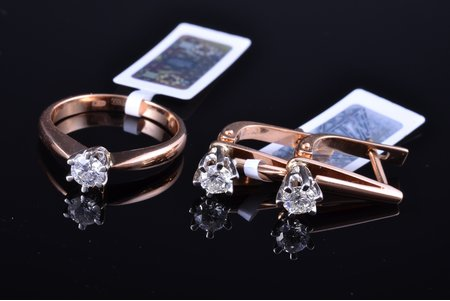 a set, a ring, earrings, gold, 585 standart, 4.48+3.16 g., the item's dimensions 1.7 x 0.6 cm, the size of the ring 16.75, diamonds, 2000ies, Russian Federation, ring - 1 diamond ~0.29 ct, earrings - 2 diamonds TW ~0.56 ct