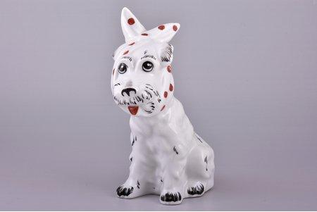 figurine, Dog with a kerchief, porcelain, Riga (Latvia), USSR, sculpture's work, molder - Taisija  Poluikeviča, the 70-80ies of 20th cent., 17.4 cm