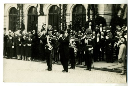 photography, visit of the King of Sweden Gustaf V in Riga (1929), Latvia, 20-30ties of 20th cent., 13,8x8,8 cm