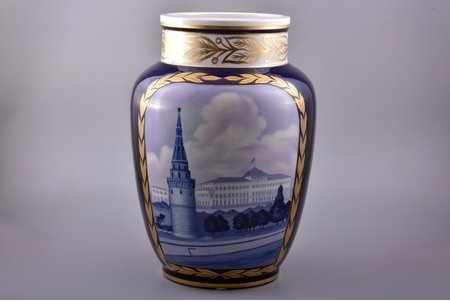 "vase, ""Kremlin"", porcelain, LFZ - Lomonosov porcelain factory, hand-painted, USSR, the 50ies of 20th cent., h 34.5 cm"