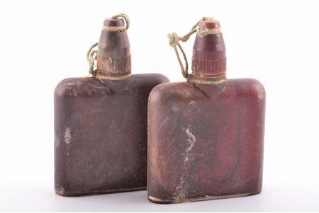 "жидкость для обеззараживания оружия, ""Waffenentgiftungsmittel"", Третий Рейх, 9.5 x 6.4 x 1.9 см, 2 флакона, Германия, 1941 г."